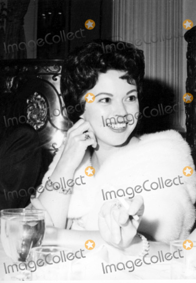 Shirley Temple Black Photo - Shirley Temple Supplied by Globe Photos Inc