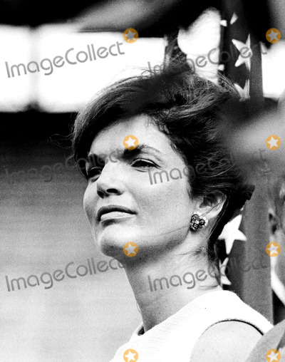Jacqueline Kennedy Onassis Photo - Jacqueline Kennedy Onassis in Miami Florida 1960 Globe Photos Inc Jacquelinekennedyonassisobit