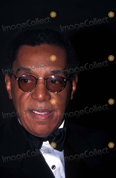 Don Cornelius Photo - 5th Annual Broadcasting and Cable Hall of Fame 11091995 Don Cornelius Photo by Mitchell LevyGlobe Photos