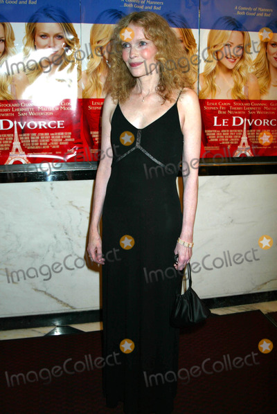 Mia Farrow Photo - Mia Farrow K32139smo the New York Premiere of Le Divorce at the Paris Theater New York City 08052003 Photo by Sonia MoskowitzGlobe Photos Inc
