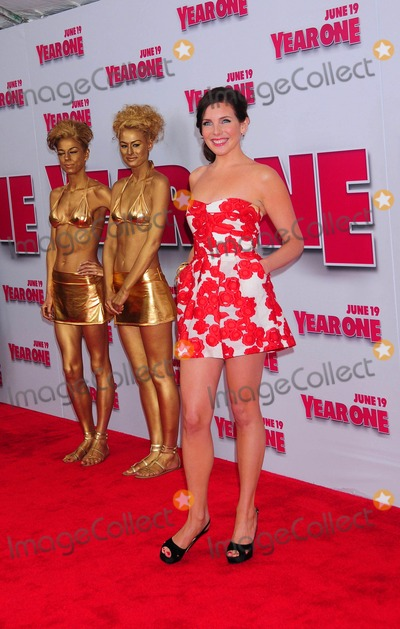 June Raphael Photo - the Real Housewives of New Jersey Arriving at the Premiere of Columbia Pictures Year One at Amc Lincoln Square in New York City on 06-15-2009 June Diane Raphael Photo by Ken Babolcsay-ipol-Globe Photos Inc