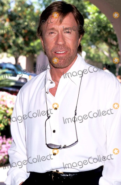 Chuck Norris Photo - Sd0723 Television Critics Press Tour  Cbs Pasadena California Chuck Norris Photo Lisa Rose  Globe Photos Inc 1998 Chucknorrisretro