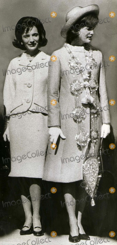 Lee Radziwill Photo - -16 Lee Radziwill and Jacqueline Kennedy at New Delhi Airport CpbediGlobe Photos Inc