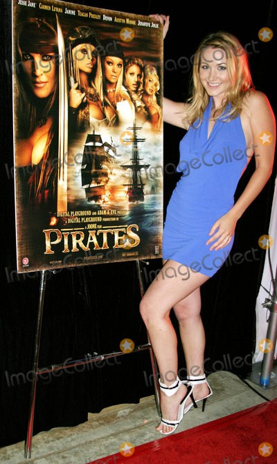 Jesse Jane Photo - Pirates World Premiere Starring Jesse Jane Egyptian Theatre Hollywood CA 09-12-2005 Photo Clinton Hwallace-photomundo-Globe Photos Inc Andrea Lowell - From Playboy Tv