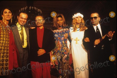 Anh Duong Photo - Karl Lagerfeld with Gianni Versace  Claudia Schiffer  Anh Duong Young Designers Show 1990 A6479 Photo by Adam Scull-Globe Photos Inc