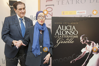 Alicia Alonso Photo - SEVILLE SPAIN November 4 Pedro Simon and Alicia Alonso (L-R) attends the presentation of the book -Alicia Alonso or eternity of Giselle- of the writer Giselle Mayda Bustamante in the theater La Maestranza in Seville Spain