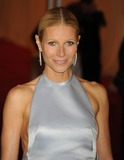 Gwyneth Paltrow Photos - Gwyneth Paltrow arriving at the Costume Institute Benefit held at the Metropolitan Museum of Art to celebrate the opening of Schiaparelli and Prada Impossible Conversations New YorkDennis Van Tinestarmaxinccom