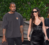 Kanye West,Kim Kardashian Photos - Photo by KGC-195starmaxinccomSTAR MAX2016ALL RIGHTS RESERVEDTelephoneFax (212) 995-119691416Kim Kardashian and Kanye West are seen in New York City