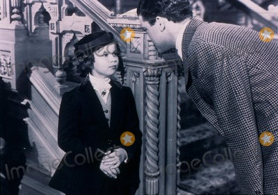 Richard Greene Photo - THE LITTLE PRINCESS (1939)SHIRLEY TEMPLE RICHARD GREENELITP 004MOVIESTORE COLLECTION LTDCredit Moviestore Collectionface to face- Editorial use only -