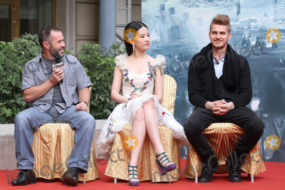 Hayden Christensen Photo - Director Nick Powellactors Hayden Christensen and Crystal Liu attend press conference of film Out Cast in BeijingChina on Sunday Oct 202013Credit Topphotoface to face- No rights for China and Taiwan -