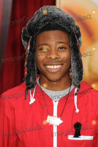 Carlon Jeffery Photo - 12 November 2011 - Hollywood California - Carlon Jeffery The Muppets Los Angeles Premiere held at the El Capitan Theatre Photo Credit Byron PurvisAdMedia