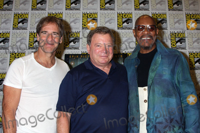 Avery Brooks Photo - 22 July 2011 - San Diego California - Scott Bakula William Shatner and Avery Brooks Comic-Con International 2011 - Day 2 at The San Diego Convention Center Photo Credit Byron PurvisAdMedia