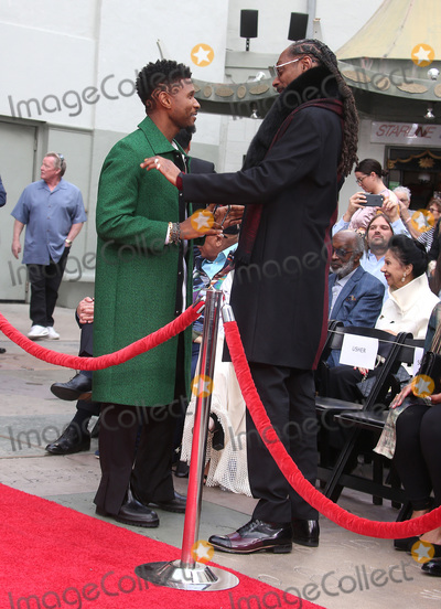 Usher Photo - 27 November 2018 - Hollywood California - Usher and Snoop Dogg Quincy Jones Hand And Footprint Ceremony held at TCL Chinese Theatre IMAX Photo Credit Faye SadouAdMedia