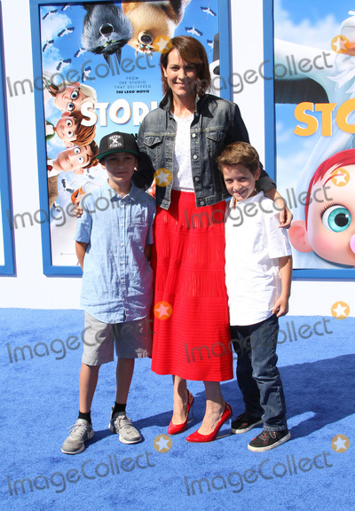 Alexander Allen Photo - 17 September 2016 - Los Angeles California - Annabeth Gish with sons Enzo Edward Allen and Cash Alexander Allen Storks Los Angeles Premiere held at the Regency Village Theatre in Los Angeles Photo Credit AdMedia
