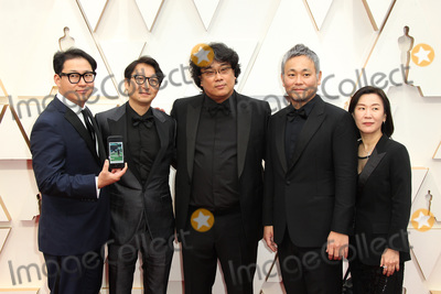 Sinful Photo - 09 February 2020 - Hollywood California - Bong Joon-ho Yang Jin-mo Jin Won Han Kwak Sin-ae Ha-jun Lee 92nd Annual Academy Awards presented by the Academy of Motion Picture Arts and Sciences held at Hollywood  Highland Center Photo Credit AdMedia