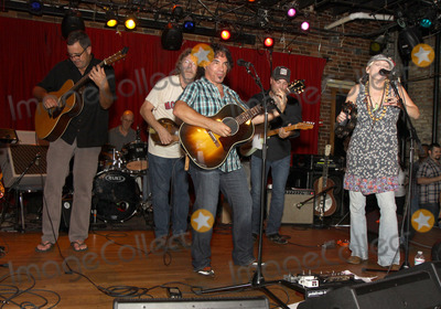 Pete Huttlinger Photo - July 26 2011 - Nashville TN - (l-r) Vince Gill Sam Bush John Oates Guthrie Trapp and Bekka Bramlett Artists musicians and songwriters came together at Mercy Lounge to help raise funds for Pete Huttlinger a widely respected guitarist and Nashville studio artist  Huttlinger has a congenital heart disease and is in need of a heart transplant Photo credit Dan HarrAdmedia