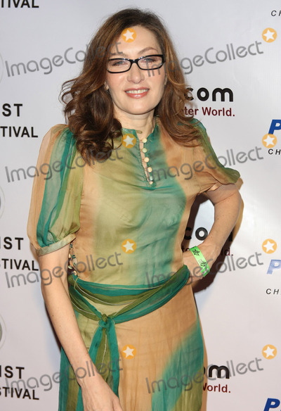 Annabelle Gurwitch Photo - 04 December 2010 - Hollywood California - Annabelle Gurwitch 7th Annual Artivist Film Festival Awards held at the Egyptian Theatre Photo Tommaso BoddiAdMedia