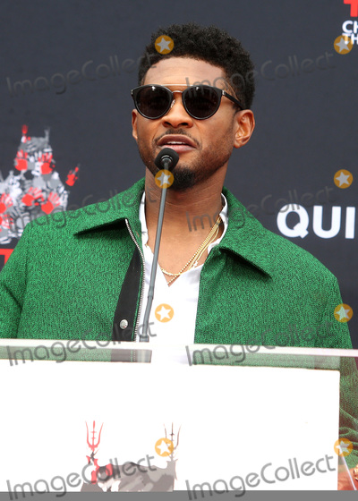 Usher Photo - 27 November 2018 - Hollywood California - Usher Quincy Jones Hand And Footprint Ceremony held at TCL Chinese Theatre IMAX Photo Credit Faye SadouAdMedia