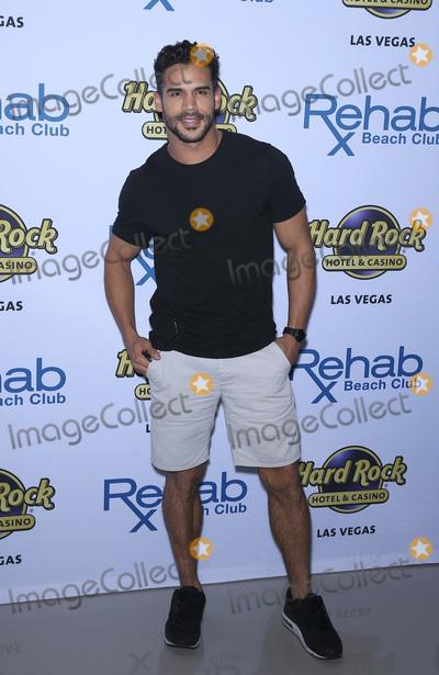 Austin Mahone Photo - 08 April 2017 - Las Vegas Nevada - Willie Gomez Austin Mahone celebrates his 21st birthday at Las Vegas hottest dayclub REHAB Beach Club at Hard Rock Hotel  Casino Photo Credit MJTAdMedia