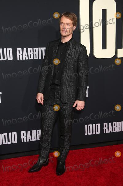 Alfie Allen Photo - LOS ANGELES CA - OCTOBER 15 Alfie Allen at Premiere Of Fox Searchlights Jojo Rabbit at Post 43  in Los Angeles California on October 15 2019 Credit Faye SadouMediaPunch