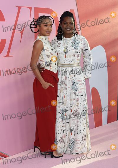 Yara Shahidi Photo - 03 June 2019 - New York New York - Yara Shahidi and Keri Shahidi 2019 CFDA Awards held at the Brooklyn Museum Photo Credit LJ FotosAdMedia
