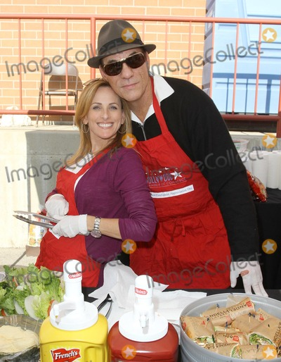 Robert Davi Photo - 30 November 2011 - Hollywood California - Marlee Matlin and Robert Davi Hollywood Chamber Of Commerce 17th Annual Police And Fire BBQ Held At The Hollywood LAPD and Fire Division Photo Credit Kevan BrooksAdMedia