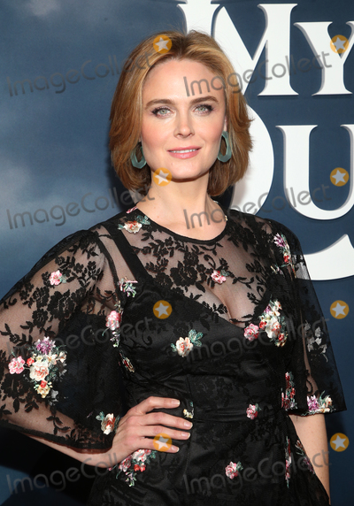 Emily Deschanel Photo - 29 January 2020 - Hollywood California - Emily Deschanel Tom Kaulitz Premiere Of Apple TVs Mythic Quest Ravens Banquet held at The Cinerama Dome Photo Credit FSAdMedia29 January 2020 - Hollywood California - Emily Deschanel Premiere Of Apple TVs Mythic Quest Ravens Banquet held at The Cinerama Dome Photo Credit FSAdMedia