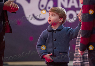 Prince William Photo - 11th December 2020 - Prince William Duke of Cambridge and Kate Duchess of Cambridge Catherine Katherine Middleton with their children Prince Louis Princess Charlotte and Prince George attend a special pantomime performance at Londons Palladium Theatre hosted by The National Lottery to thank key workers and their families for their efforts throughout the pandemic Photo Credit ALPRAdMedia
