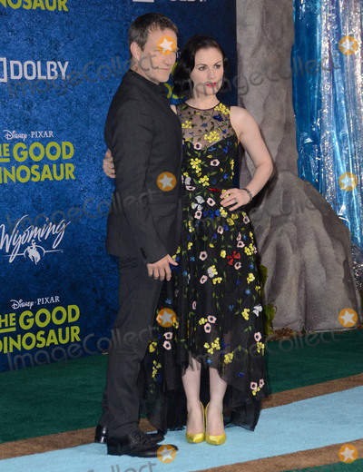 Anna Paquin- Photo - 17 November - Hollywood Ca - Stephen Moyer Anna Paquin Arrivals for the Premiere of Disney-Pixars The Good Dinosaur held at The El Capitan Theater Photo Credit Birdie ThompsonAdMedia
