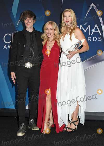 Ashley Campbell Photo - 08 November 2017 - Nashville Tennessee - Shannon Campbell Kim Campbell and Ashley Campbell 51st Annual CMA Awards Country Musics Biggest Night held at Bridgestone Arena Photo Credit Laura FarrAdMedia