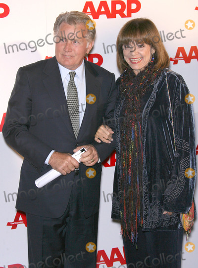 Bel-Air Photo - 30 August 2019 - Television icon Valerie Harper best known as wise-cracking Rhoda on The Mary Tyler Moore Show has died after a long bout with cancer She was 80 years old File Photo 6 February 2007 - Los Angeles California - Martin Sheen and Valerie Harper  AARP The Magazine Toasts 2007 Movies For Grownups Awards Winners at Hotel Bel-Air Photo Credit Zach LippAdMedia