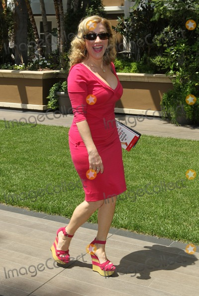 Ann Walters Photo - 8 May 2013 - Beverly Hills California - Lisa Ann Walter ABCs Mothers Day Luncheon Held At The Four Seasons Hotel Photo Credit Kevan BrooksAdMedia