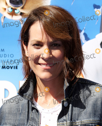 Annabeth Gish Photo - 17 September 2016 - Los Angeles California - Annabeth Gish Storks Los Angeles Premiere held at the Regency Village Theatre in Los Angeles Photo Credit AdMedia