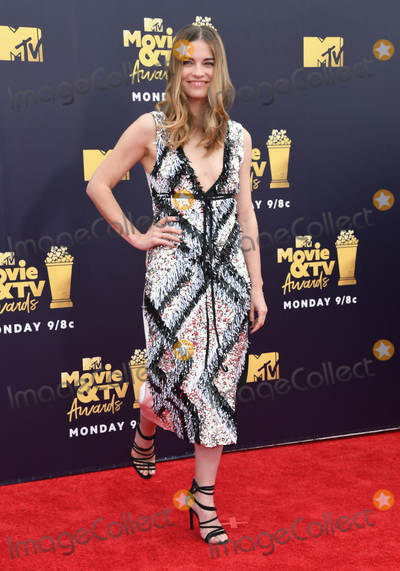 Annie Murphy Photo - 16 June 2018 - Santa Monica California - Annie Murphy 2018 MTV Movie and TV Awards held at  Barker Hangar Photo Credit Birdie ThompsonAdMedia