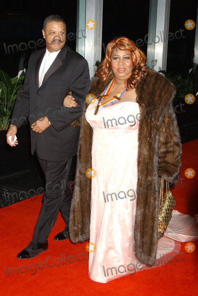 Aretha Franklin Photo - 16 August 2018 - 1942  Aretha Franklin the Queen of Soul Dies at 76 File Photo 01 December 2007 - Washington DC - Aretha Franklin Gala Dinner honoring the 30th Kennedy Center Honors Recipients pianist Leon Fleisher actor and writer Steve Martin singer Diana Ross film director Martin Scorsese and songwriter Brian Wilson for lifetime achievement in the performing arts held at the State Department Photo Credit Laura FarrAdMedia