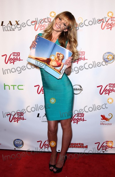ANN V Photo - 16 February 2011 - Las Vegas Nevada - Anne V  The 2011 Sports Illustrated Swimsuit Models celebrate at the SI Swimsuit on Locations Party at LAX Nightclub at The Luxor Photo MJTAdMedia