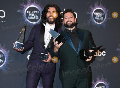 Shai Photo - 24 November 2019 - Los Angeles California - Dan  Shay 2019 American Music Awards - Press Room held at Microsoft Theater Photo Credit Birdie ThompsonAdMedia