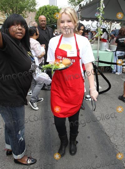 Taylor Spreitler Photo - 22 April 2011 - Los Angeles California - Taylor Spreitler Los Angeles Mission Easter For The Homeless Held At The Los Angeles Mission Photo Kevan BrooksAdMedia