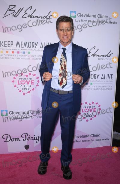 Neil Diamond Photo - 07 March 2020 - Las Vegas NV - Chris Isaak  Keep Memory Alive Honors Neil Diamond at 24th Annual Power of Love Gala at MGM Grand Garden Arena Photo Credit MJTAdMedia