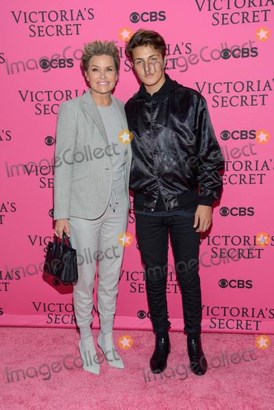 Anwar Hadid Photo - November 11  2015 - New York NY - Yolanda Foster Anwar Hadid 2015 Victorias Secret Fashion Show Pink Carpet Photo Credit Mario SantoroAdMedia