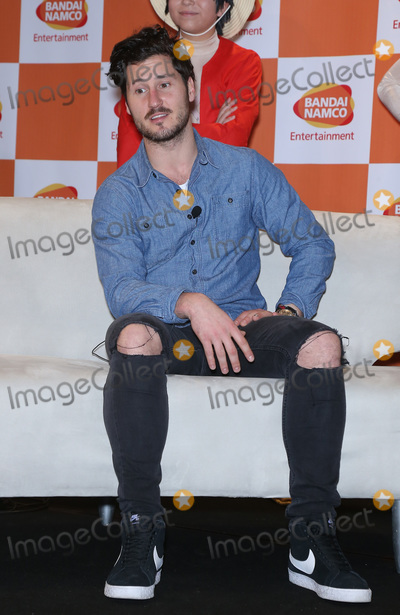 TI Photo - 26 January 2018 - Las Vegas NV - Valentin Chmerkovskiy Bandai Namco Celebrate the one year anniversary of One Piece Thousand Storm and announce pending release of One Piece Bounty Rush with Maksim Chmerkovskiy and Valentin Chmerkovskiy at TI Photo Credit MJTAdMedia