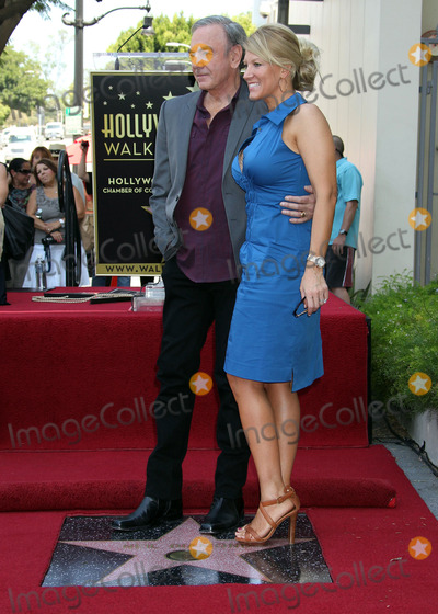 Neil Diamond Photo - 10 August 2012 - Hollywood California - Neil Diamond Katie McNeil Neil Diamond is honored with the 2465th star on the Walk of Fame from The Hollywood Chamber of Commerce as he celebrates the 40th anniversary of his Hot August Night Album Photo Credit Russ ElliotAdMedia