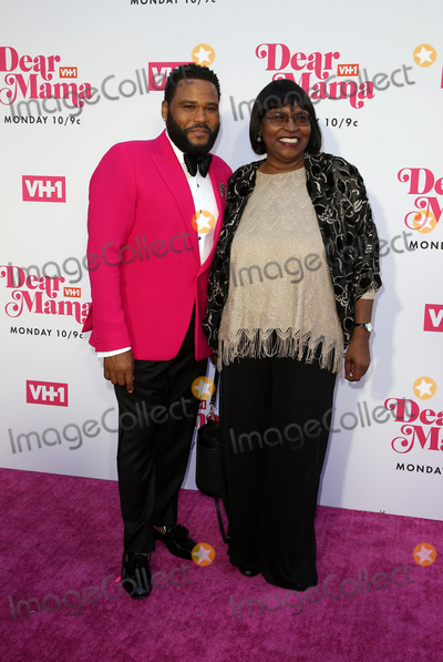 Julien Dor Photo - 02 May 2019 - Los Angeles California - Anthony Anderson Doris Hancox VH1s Annual Dear Mama A Love Letter To Mom  held at The Theatre at Ace Hotel Photo Credit Faye SadouAdMedia
