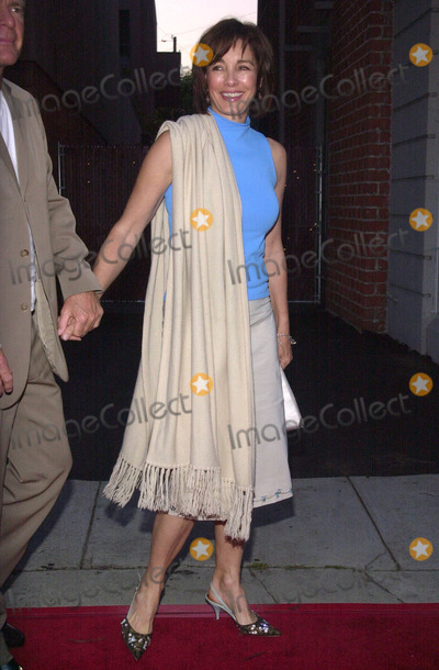 Anne Archer Photo - Anne Archer at the opening of artist Marlene Roses West Coast exhibit City Gallery Los Feliz 05-04-02