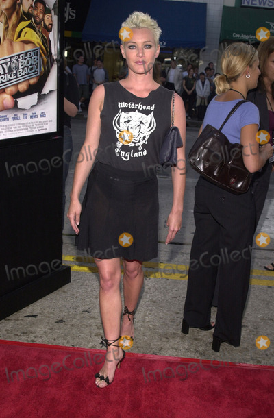 Angela Featherstone Photo -  Angela Featherstone at the premiere of Dimensions Jay and Silent Bob Strike Back at Manns Bruin Theater 08-15-01