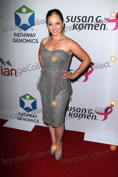 Mackenzie Rosman Photo - Mackenzie Rosmanat Pathway to the Cure for Breast Cancer - A Fundraiser benefiting Susan G Komen Santa Monica Airport Santa Monica CA 06-11-14
