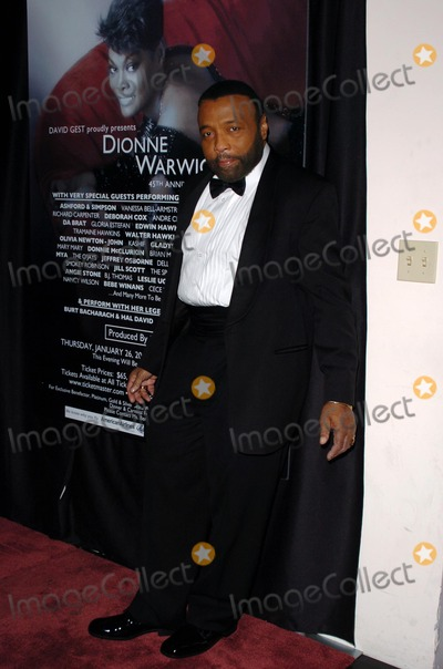 Andrae Crouch Photo - Andrae Crouchat the Dionne Warwick 45th Anniversary Spectacular Kodak Theatre Hollywood CA 01-26-06