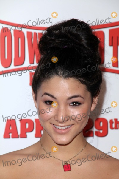 Fivel Stewart Photo - Fivel Stewartat the Hoodwinked Too World Premiere Pacific Theaters at the Grove Los Angeles CA 04-16-11