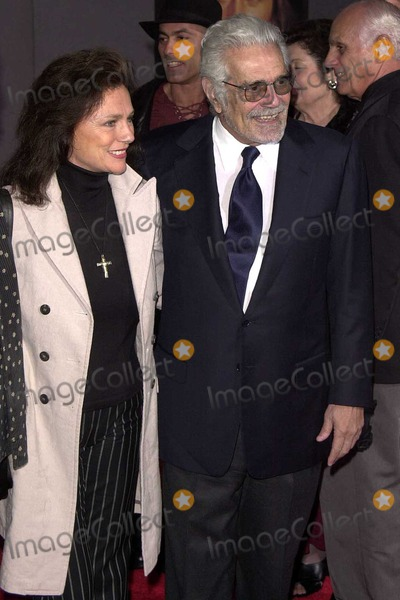Jacqueline Bisset Photo - Jacqueline Bisset and Omar Sharif at the World Premiere of Touchstone Pictures Hidalgo in the El Capitan Theater Hollywood CA 03-01-04
