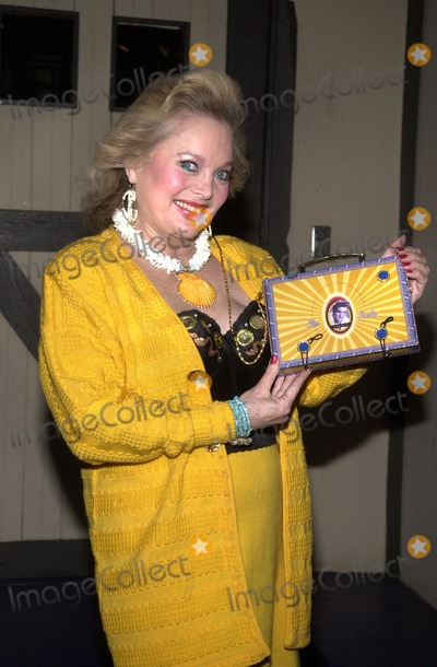 Carol Connors Photo - Carol Connors at the opening of the play Staggering Toward America A Post 911 Journal Globe Playhouse West Hollywood CA 08-15-02